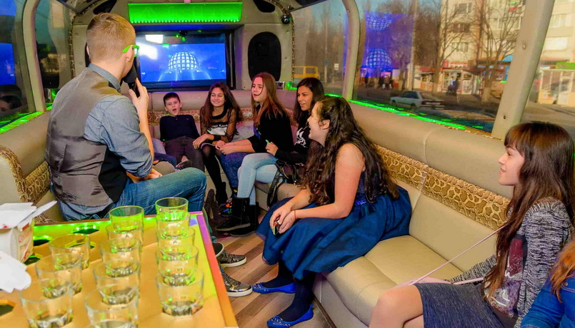 party_bus (2)